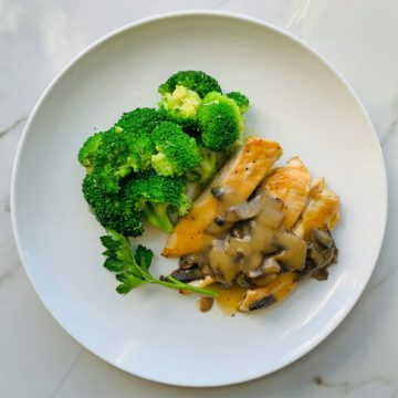 chicken marsala with broccoli