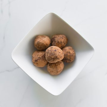 Chocolate protein truffles (6)-contain gluten